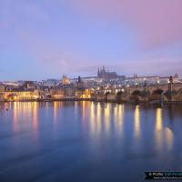 Praga alle prime luci del giorno